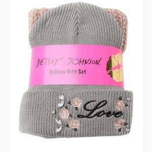Betsey Johnson Roses & thrones beanie& scarf